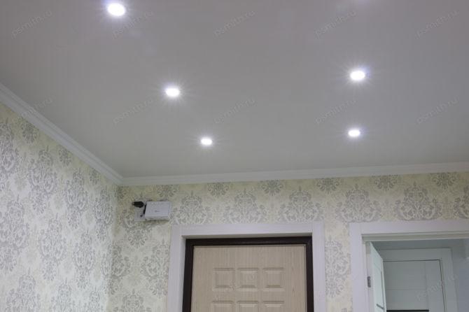 Светодиодные потолочные встраиваемые светильники для натяжных потолков | 446x670